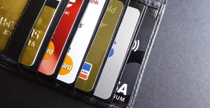 TOP 32 Cartes Bancaires Prépayées Rechargeables: Comparatif 2021